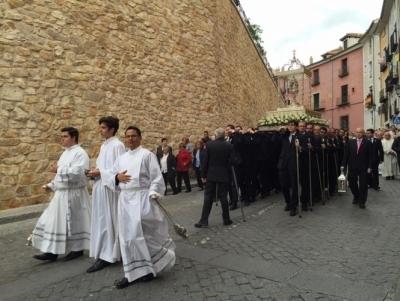�ntima y emotiva procesi�n del Corpus Christi en Cuenca