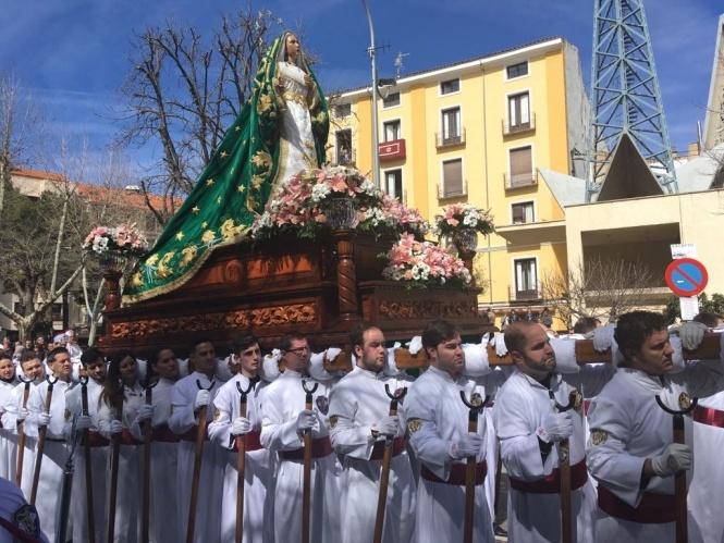 Este domingo se celebra el besamano a María Santísima del Amparo