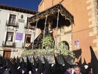 Ntra. Sra. de la Soledad del Puente celebra el 75 aniversario de su llegada a Cuenca con un Rosario Vespertino en la calle