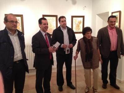 Leonor Culebras expone en el Museo de Semana Santa y donará la venta de sus cuadros a Cáritas