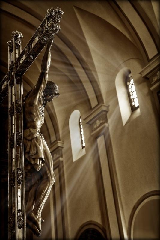 """La fotografía """"Cristo de la Luz"""", de David Serrano Gismero, se lleva el XVIII Concurso de la Soledad del Puente"""