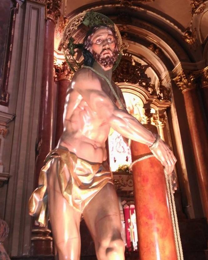 Jesús Amarrado celebra este viernes su Vía Crucis por el barrio de San Antón